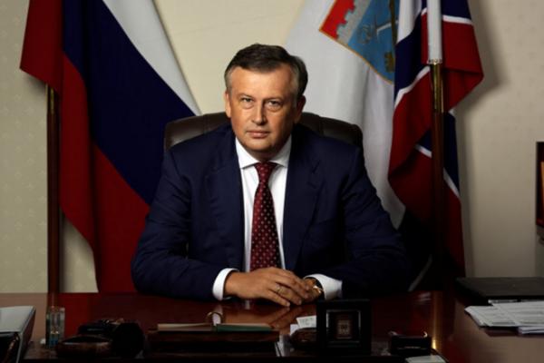 Губернатор Ленинградской области не прервал отпуск в связи с авиакатастрофой