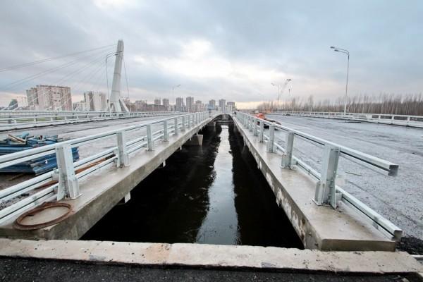 most-na-prospekte-heroev